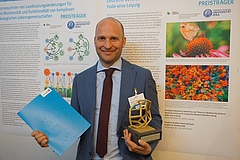 In April 2019, Brose received the Thuringian Research Prize for outstanding basic research. (picture: Myriam Hirt).