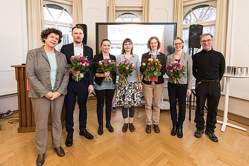 Bettina Ohse (third from right) received the PhD Award 2018 of Leipzig University (photo: Christian Hüller)