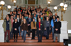 The Symposium brought together more than 120 researchers from 22 countries. Many of them are on this photo (photo: Juliana Menger).